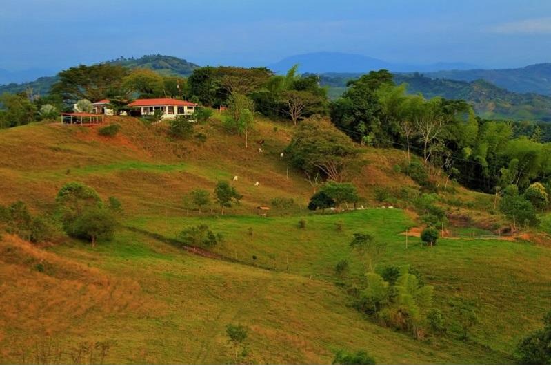 finca-altomira-alojamiento-rural-manizales