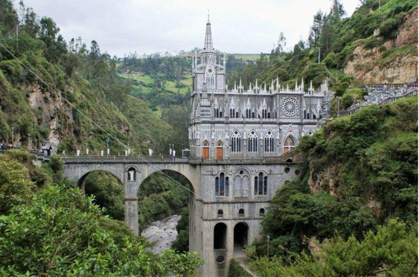santuario-las-lajas-pasto-ecoturismo-colombia