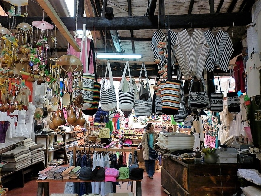 raquira_artesanias-turismo-colombia-altomira