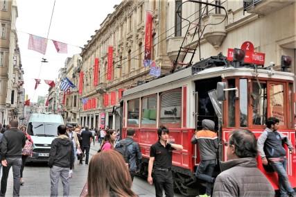 plaza-taksim-estambul-calle-ISTIKLAL-8