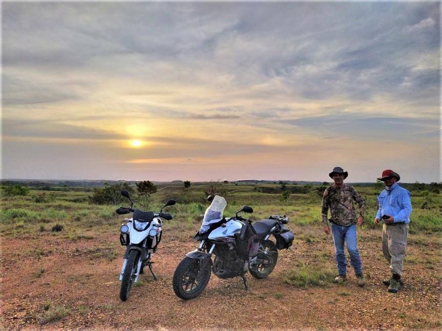 Paseo en moto por los LLanos OrientalesColombianos